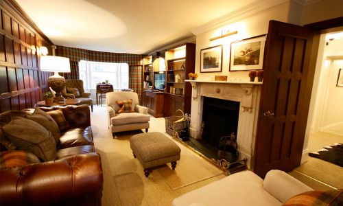 Hollins-Lodge-Living-Area